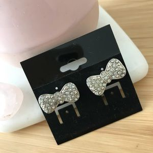 Jewelry - Bow Earrings